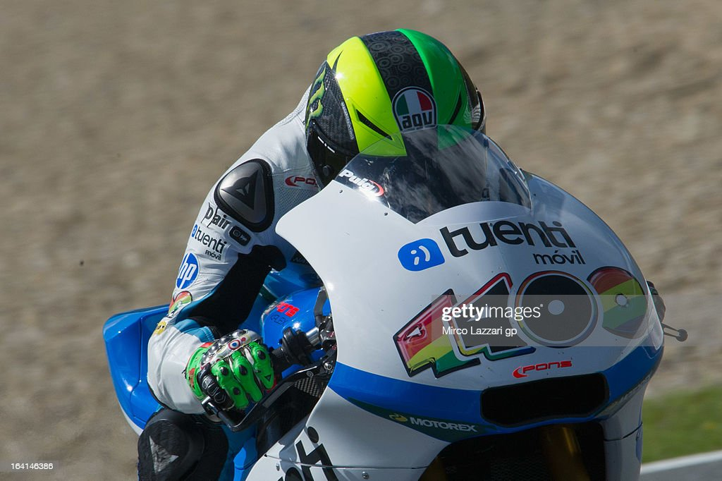 <a gi-track='captionPersonalityLinkClicked' href=/galleries/search?phrase=Pol+Espargaro&family=editorial&specificpeople=3211455 ng-click='$event.stopPropagation()'>Pol Espargaro</a> of Spain and Pons 40 HP Tuenti heads down a straight during the Moto2 and Moto3 Tests In Jerez - Day 3 at Circuito de Jerez on March 20, 2013 in Jerez de la Frontera, Spain.