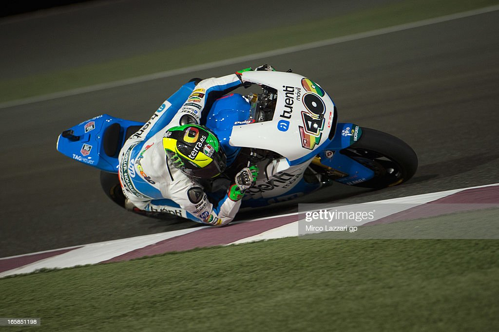 Pol Espargaro of Spain and Pons 40 HP Tuenti rounds the bend during the MotoGp of Qatar - Qualifying at Losail Circuit on April 6, 2013 in Doha, Qatar.