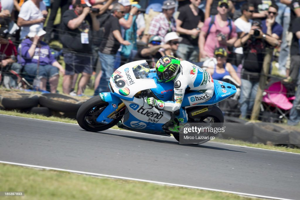 Pol Espargaro of Spain and Pons 40 HP Tuenti rounds the bend during the Moto2 race ahead of the Australian MotoGP, which is round 16 of the MotoGP World Championship at Phillip Island Grand Prix Circuit on October 20, 2013 in Phillip Island, Australia.