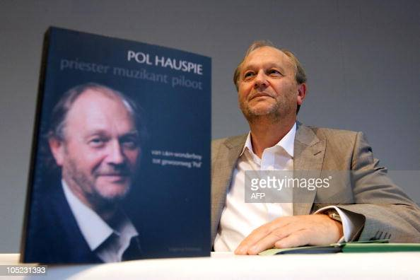 lernout hauspie speech products Lernout & hauspie speech products, the once highflying software company brought low by an accounting scandal and management turmoil, was declared insolvent today by a court in ypres, belgium.