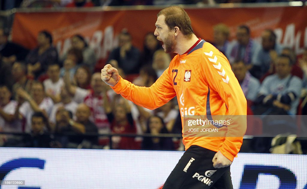 Poland's goalkeeper Marcin Wichary gestures during the 23rd Men's Handball World Championships preliminary round Group C match Poland vs South Korea at the Pabellon Principe Felipe in Zaragoza on January 19, 2013. AFP PHOTO/ JOSE JORDAN