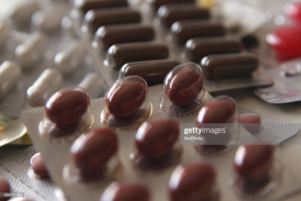 Polands pharmaceutical industry has been seeing extensive growth in export figures in recent years. Exports of Polish-produced medicine have grown by nearly 70 percent over the past five years, reaching a value of EUR 2.8 bln experts say. Pictured: Polish-produced pills.