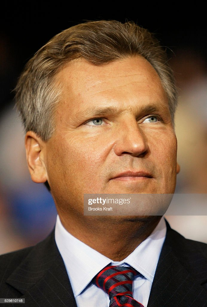 Poland's President <a gi-track='captionPersonalityLinkClicked' href=/galleries/search?phrase=Aleksander+Kwasniewski&family=editorial&specificpeople=171152 ng-click='$event.stopPropagation()'>Aleksander Kwasniewski</a> speaks at the American Polish Cultural Center in Troy, Michigan. President Kwasniewski is on a state visit to the United States.
