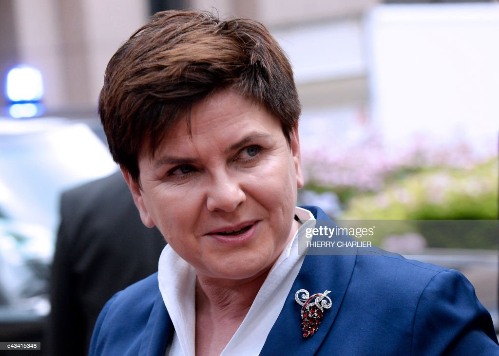 Poland's Prime minister Beata Szyd?o arrives before an EU summit meeting on June 28, 2016 at the European Union headquarters in Brussels. / AFP / THIERRY