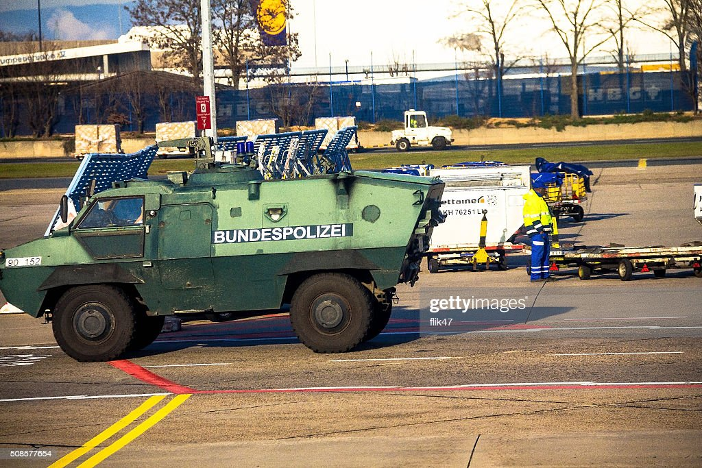 Police armored  protection vehicle in International Frankfurt Airport, : Stockfoto