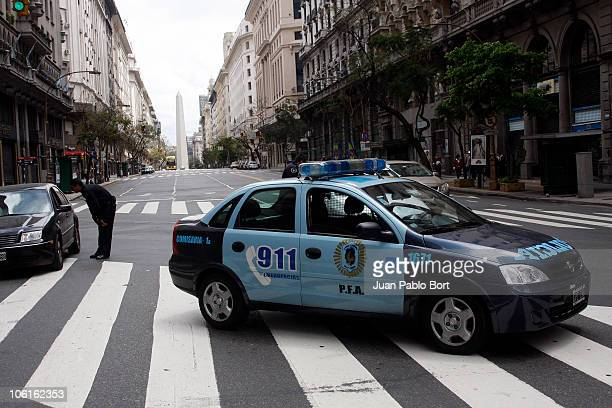 A police car is seen in the street Diagonal Norte during the National Census Day 2010 on October 27 2010 in Buenos Aires Argentina People stay at...
