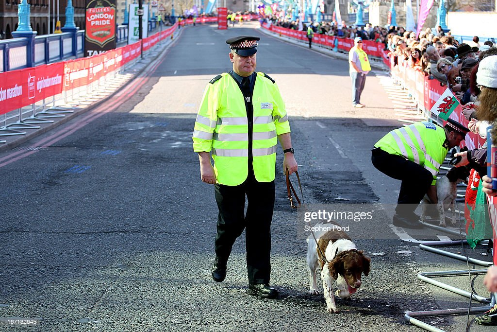 Police dog handlers on duty during the Virgin London Marathon on April 21, 2013 in LONDON, ENGLAND.