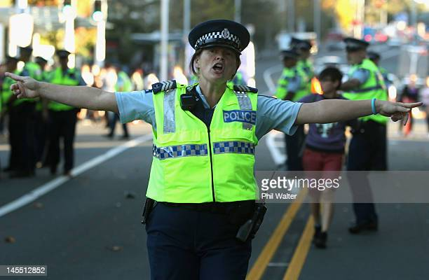 Police move student protestors off Symonds Street at Auckland University on June 1 2012 in Auckland New Zealand Auckland University students are...