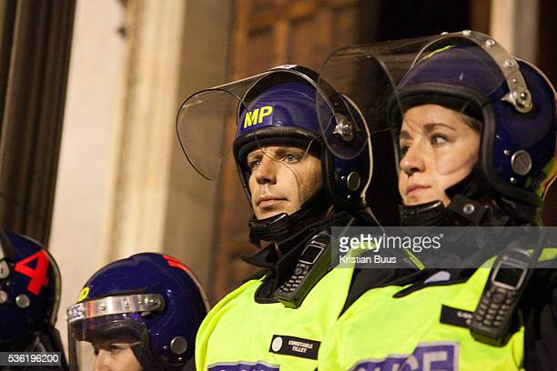 Police moving in to recapture the steps to the cathedral The London Stock Exchange was attempted occypied in solidarity with Occupy Wall in Street in...