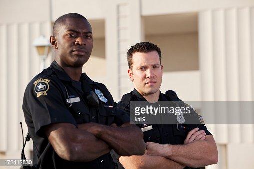 警察オフィサーズ
