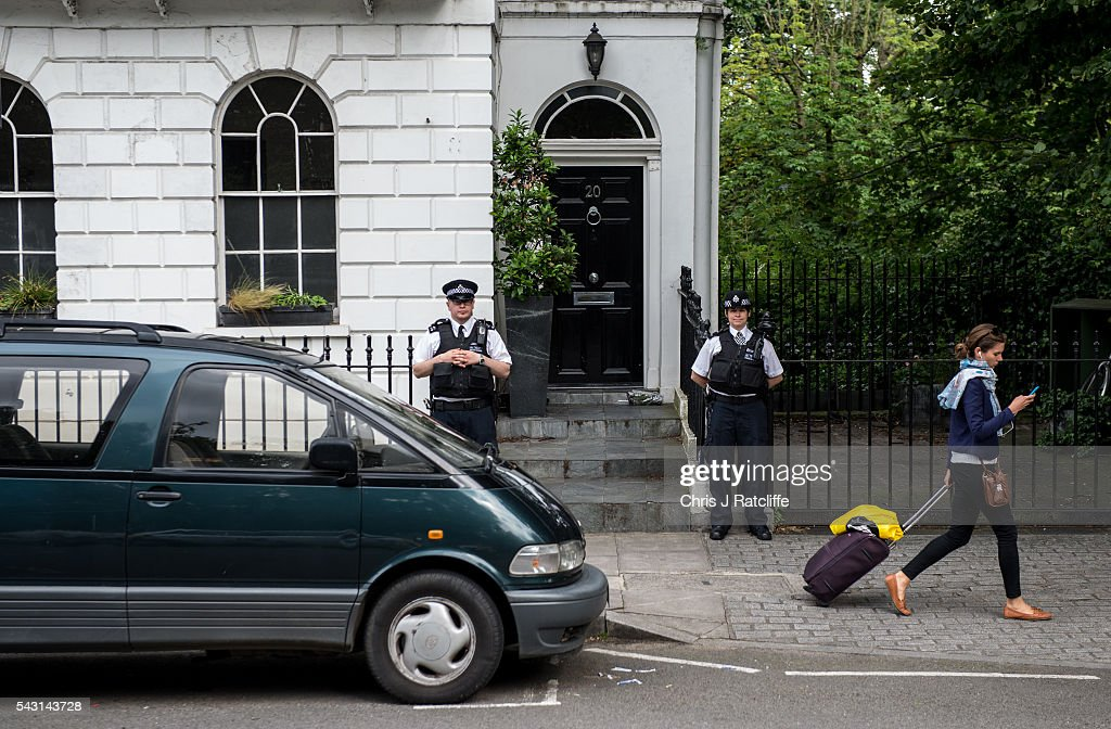 Police officers stand guard outside Boris Johnson's London home on June 24, 2016 in London, England. Former Mayor of London, Boris Johnson, was a key figure in campaigning for a 'Leave' vote in the recent British EU referendum.