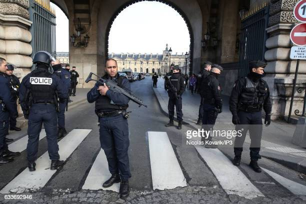 Police on guard after a French soldier shot a knifewielding man at the Carrousel du Louvre on February 3 2017 in Paris France In midmorning a French...