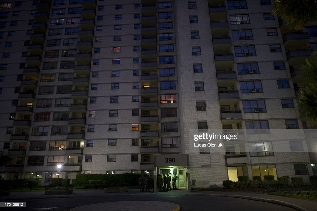 Police raided the apartments at 390 Kingsview on Thursday morning. Toronto Police launched a massive predawn raid on June 13, 2013, targeting guns and drugs. The focus is on the Toronto neighbourhood thats ground zero for the Mayor Rob Ford crack video scandal.