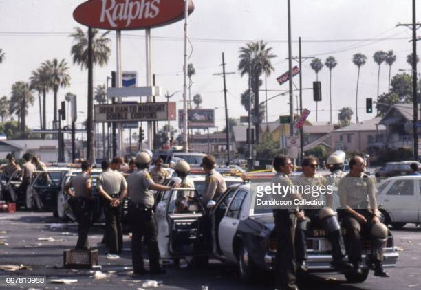 Police set up a command post during widespread riots that erupted after the acquittal of 4 LAPD officers in the videotaped arrest and beating of...
