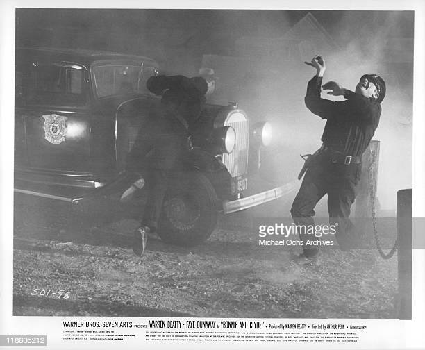 Policeman is shot in a scene from the film 'Bonnie and Clyde' 1967