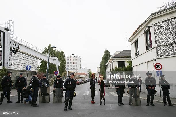 femen protest louvre - photo #25