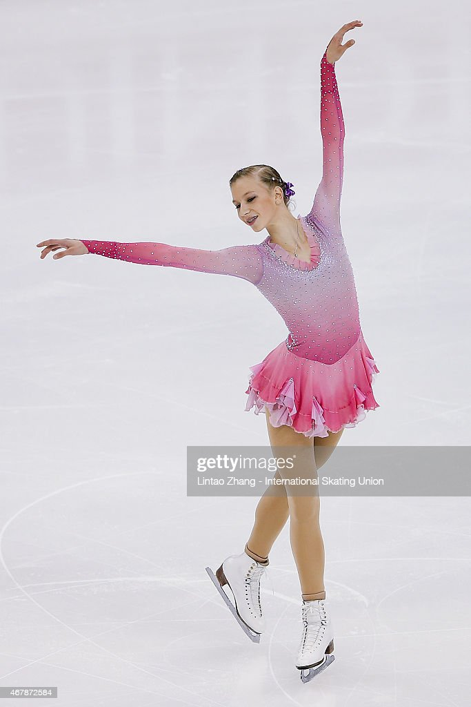 <a gi-track='captionPersonalityLinkClicked' href=/galleries/search?phrase=Polina+Edmunds&family=editorial&specificpeople=11711394 ng-click='$event.stopPropagation()'>Polina Edmunds</a> of United States performs during the Ice Dance-Ladies Free Skating on day four of the 2015 ISU World Figure Skating Championships at Shanghai Oriental Sports Center on March 28, 2015 in Shanghai, China.