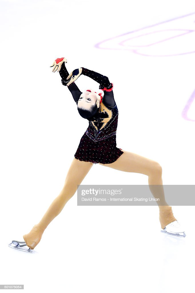 Полина Цурская - Страница 2 Polina-tsurskaya-of-russia-during-the-junior-ladies-free-program-day-picture-id501075054