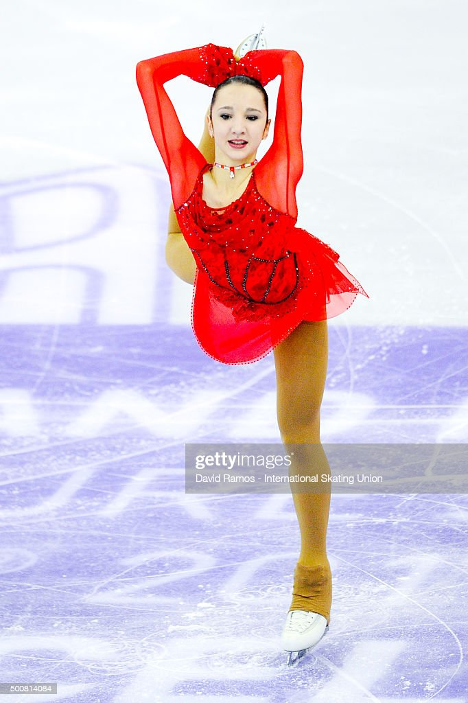 Полина Цурская - Страница 2 Polina-tsurskaya-of-russia-performs-during-the-junior-ladies-short-picture-id500814084