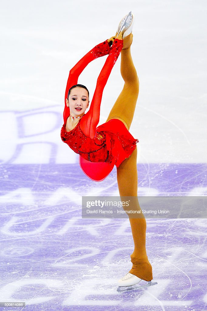 Полина Цурская - Страница 2 Polina-tsurskaya-of-russia-performs-during-the-junior-ladies-short-picture-id500814086
