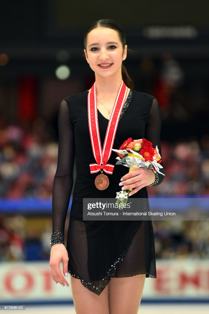 Полина Цурская - Страница 13 Polina-tsurskaya-of-russia-poses-with-her-bronze-medal-during-the-isu-picture-id872836152