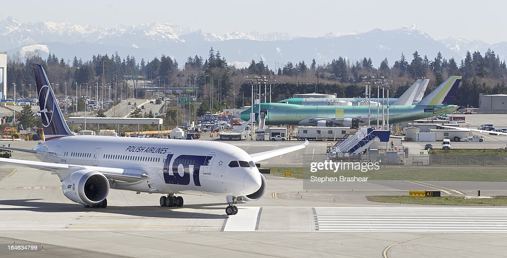 Polish Airlines Boeing 787 Dreamliner with a redesigned lithium ion battery taxis from the flight line to the runway before a test flight March 25, 2012 at Paine Field in EVERETT, WA. The 787 has been grounded since January after problems with the lithium ion battery.