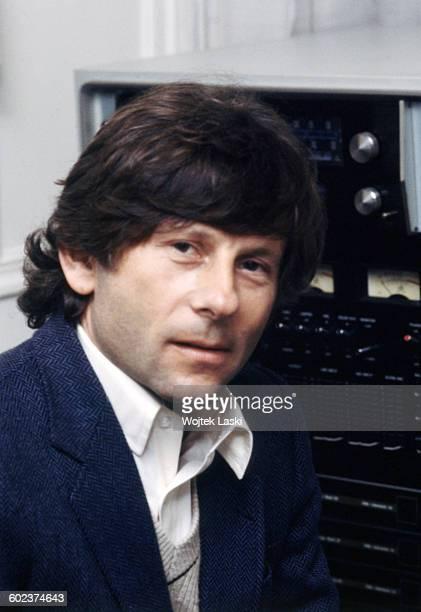 Polish film director Roman Polanski at video edting studio in Paris France in 1980