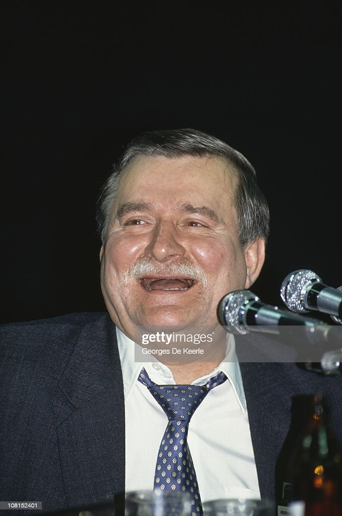 Polish politician <a gi-track='captionPersonalityLinkClicked' href=/galleries/search?phrase=Lech+Walesa&family=editorial&specificpeople=93677 ng-click='$event.stopPropagation()'>Lech Walesa</a> during his presidential election campaign, Poznan, 15th October 1990.