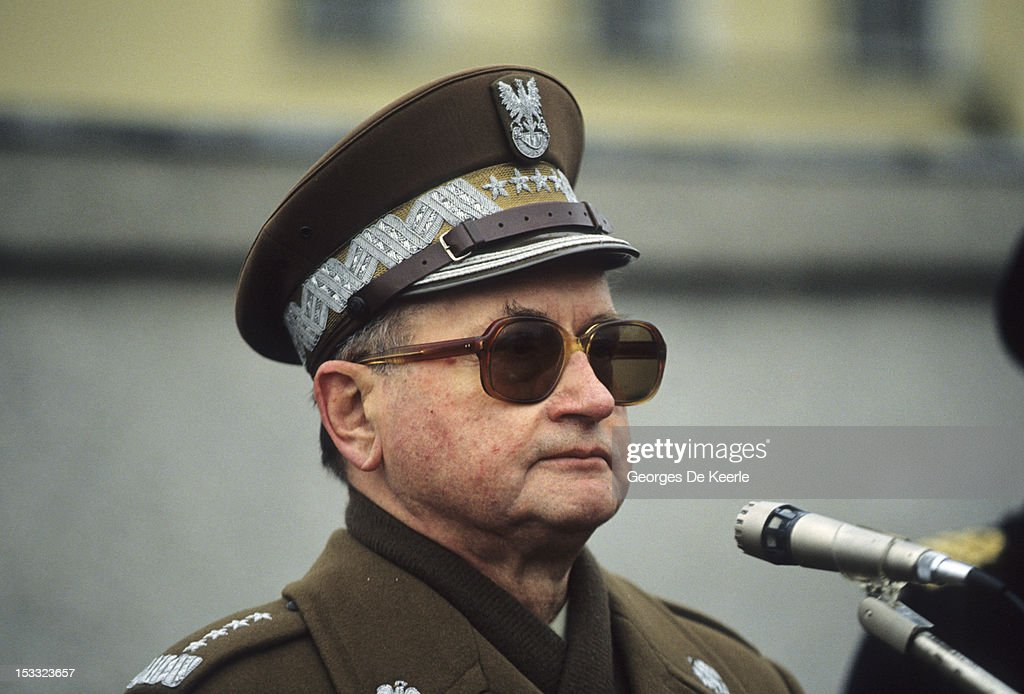 Polish President General <a gi-track='captionPersonalityLinkClicked' href=/galleries/search?phrase=Wojciech+Jaruzelski&family=editorial&specificpeople=206791 ng-click='$event.stopPropagation()'>Wojciech Jaruzelski</a> in Poland, 6th December 1990.