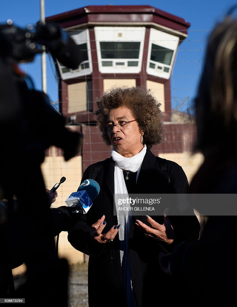 US political activist Angela Yvonne Davis addresses journalists outside the 'Centro Penitenciario de Logrono' prison after her attempt to visit the imprisoned leader of the Basque Patriotic Left movement Arnaldo Otegi on February 7, 2016, in the northern Spanish city of Logrono. Although Angela Davis had received the permission to visit Arnaldo Otegi, the prison of Logrono finally denied it. Arnaldo Otegi is imprisoned since 2009 and will be released on March 1, 2016. AFP PHOTO / ANDER GILLENEA / AFP / ANDER GILLENEA