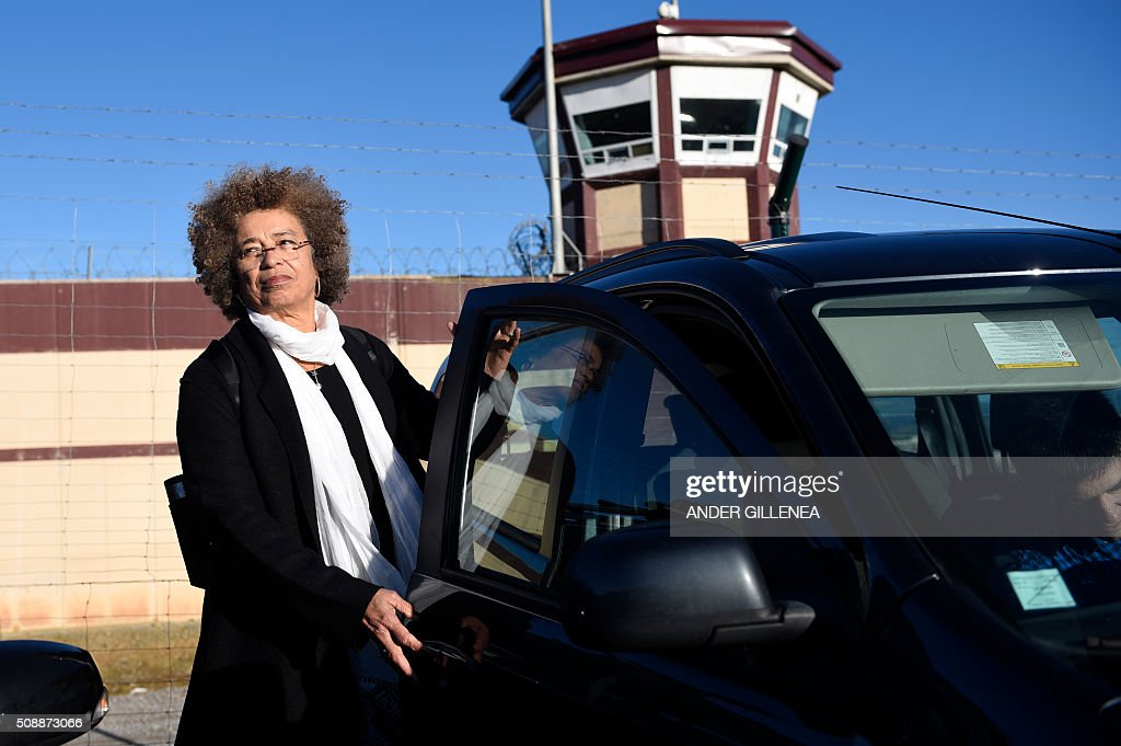 US political activist Angela Yvonne Davis leaves the 'Centro Penitenciario de Logrono' prison after her attempt to visit the imprisoned leader of the Basque Patriotic Left movement Arnaldo Otegi on February 7, 2016, in the northern Spanish city of Logrono. Although Angela Davis had received the permission to visit Arnaldo Otegi, the prison of Logrono finally denied it. Arnaldo Otegi is imprisoned since 2009 and will be released on March 1, 2016. AFP PHOTO / ANDER GILLENEA / AFP / ANDER GILLENEA