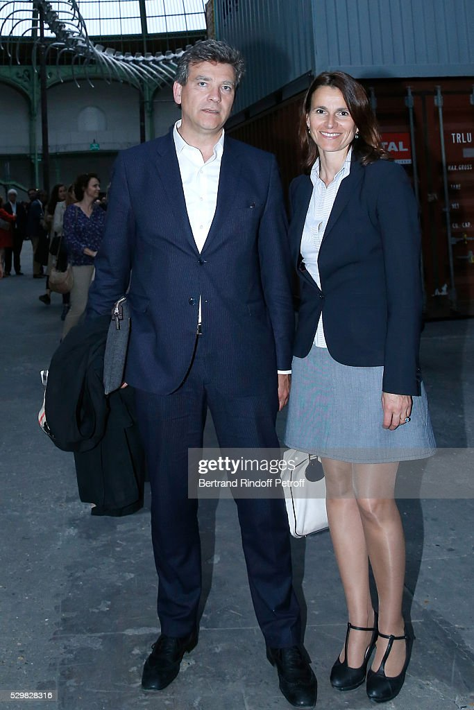 Politician Arnaud Montebourg and his companion Aurelie Filippetti attend the 'Empires' exhibition of Huang Yong Ping as part of Monumenta 2016 - Opening at Le Grand Palais on May 9, 2016 in Paris, France.