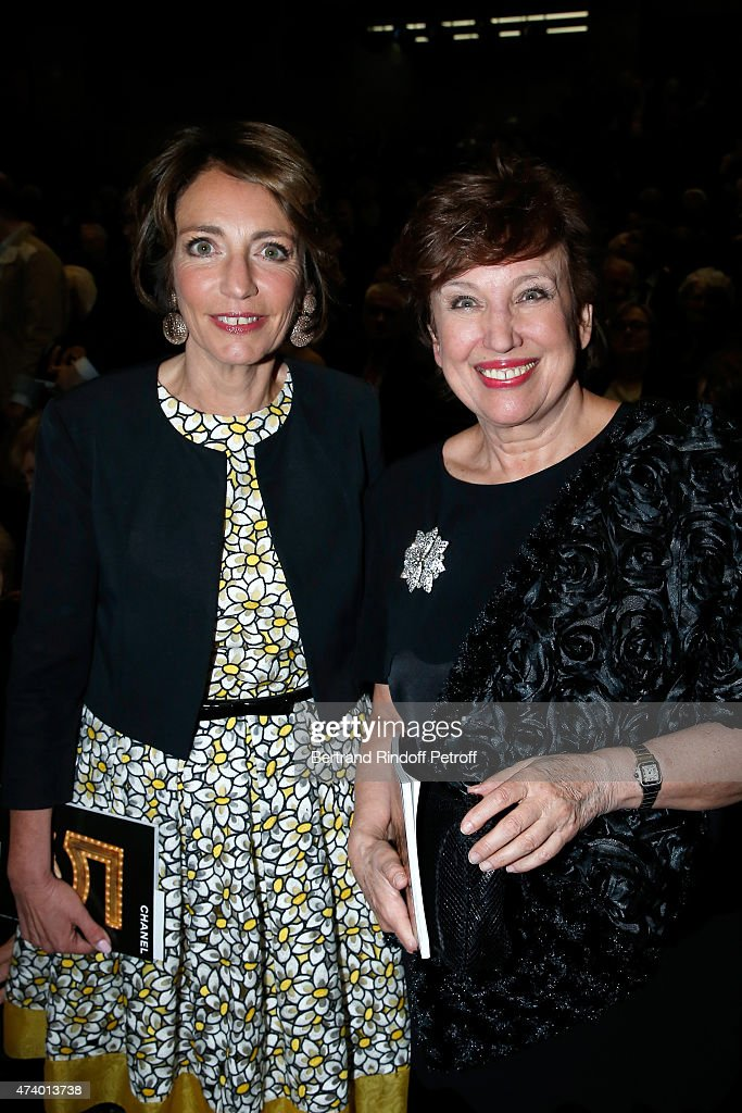 Politicians <a gi-track='captionPersonalityLinkClicked' href=/galleries/search?phrase=Roselyne+Bachelot&family=editorial&specificpeople=2369544 ng-click='$event.stopPropagation()'>Roselyne Bachelot</a> Narquin and Minister of Health <a gi-track='captionPersonalityLinkClicked' href=/galleries/search?phrase=Marisol+Touraine&family=editorial&specificpeople=4398004 ng-click='$event.stopPropagation()'>Marisol Touraine</a> attend the AROP Charity Gala with the Opera 'Le Roi Arthus', Music and Libretto from Ernest Chausson. Held at Opera Bastille on May 19, 2015 in Paris, France.