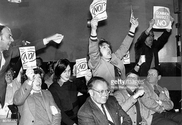 Politics 3rd June 1975 London Antimarketeers out in force with cards as they shout their opposition during a speech by Prime Minister Harold Wilson...