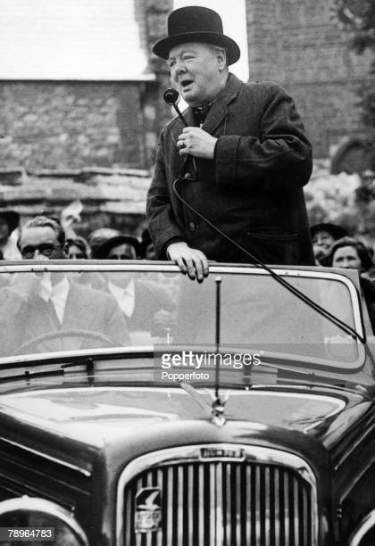 25th June 1945 TowcesterNorthamptonshire England Winston Churchill speaking during the General Election campaign of 1945 outside Towcester Town Hall...