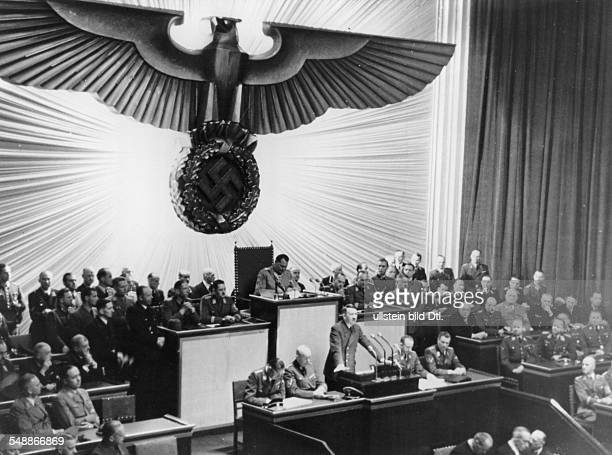 Politics 'Reichstag' 1942 'Reichstagssitzung' at 'KrollOper' in Berlin Adolf Hitler next to the speaker's desk to the right Otto Dietrich Albert...