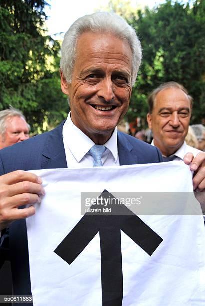 Politiker Peter Ramsauer bei der Eröffnung des Deutschen Pavillion auf der LA BIENNALE DI ARCHITETTURA in Venedig / Italien Es geht aufwärts