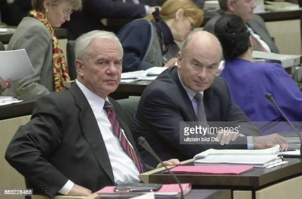 Politiker SPD D Ministerpräsident von Brandenburg 1990 Debatte und Abstimmung über das Zuwanderungsgesetz der Bundesregierung im Bundesrat Manfred...