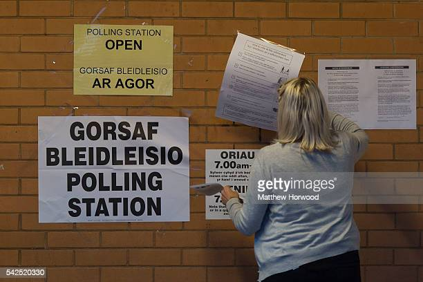 Polling signs are removed at Llanishen Leisure Centre as voting comes to an end on June 23 2016 in Cardiff Wales The United Kingdom has gone to the...