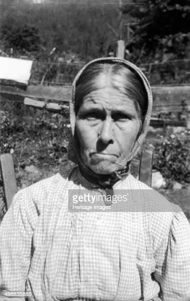 Polly Mitchell Burnsville Yancey County North Carolina USA 19161918 Photograph taken during Cecil Sharp's folk music collecting expedition British...
