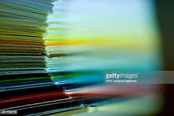 Polychromy paper