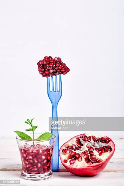 Pomegranate and mint detox water
