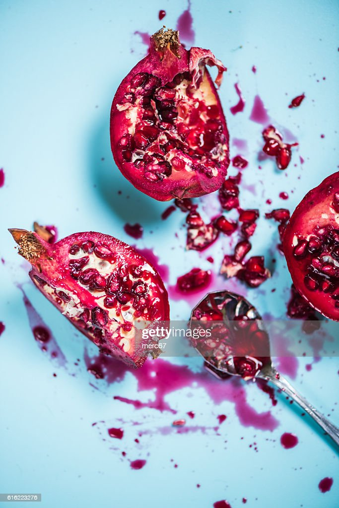 Pomegranate mess with seeds and juice : Foto stock