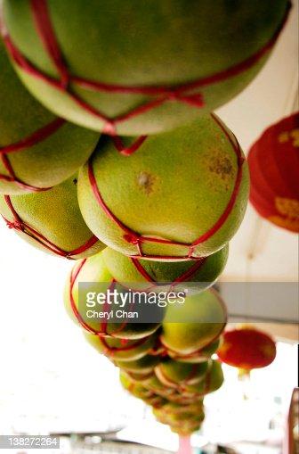 Pomelo fruit on sale : Stock Photo