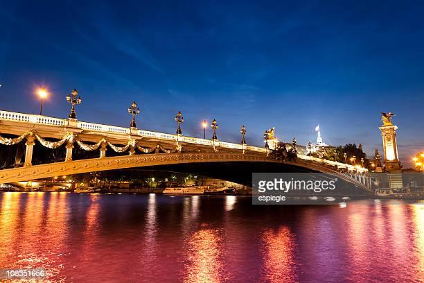Le Pont Alexandre III, Paris bridge de nuit