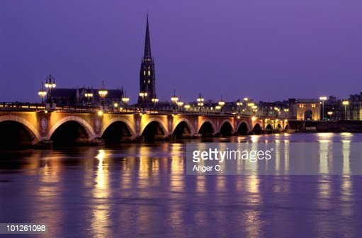 pont de pierre bordeaux france photo getty images. Black Bedroom Furniture Sets. Home Design Ideas