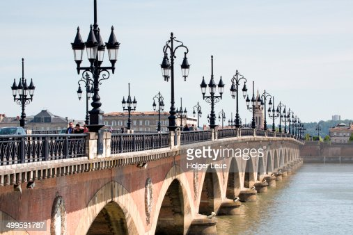 Pont de Pierre bridge across La Garonne river
