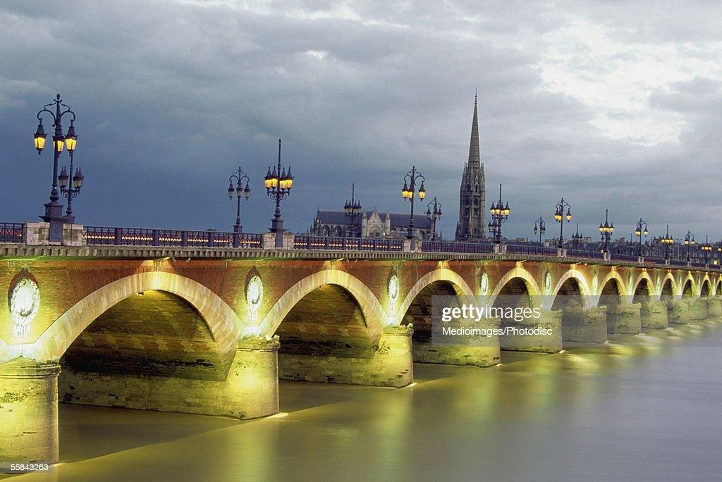 pont de pierre bridge over gironde river at dusk bordeaux france stock photo getty images. Black Bedroom Furniture Sets. Home Design Ideas