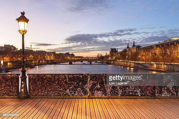 Pont des Arts at dusk
