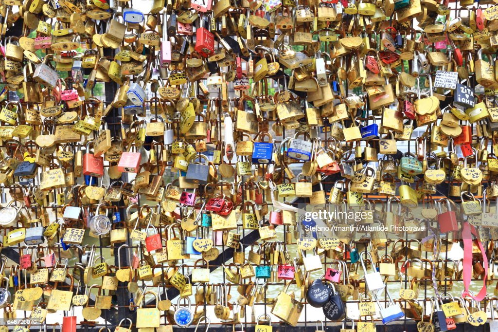 Pont (bridge) Neuf, Padlocks : Stock-Foto